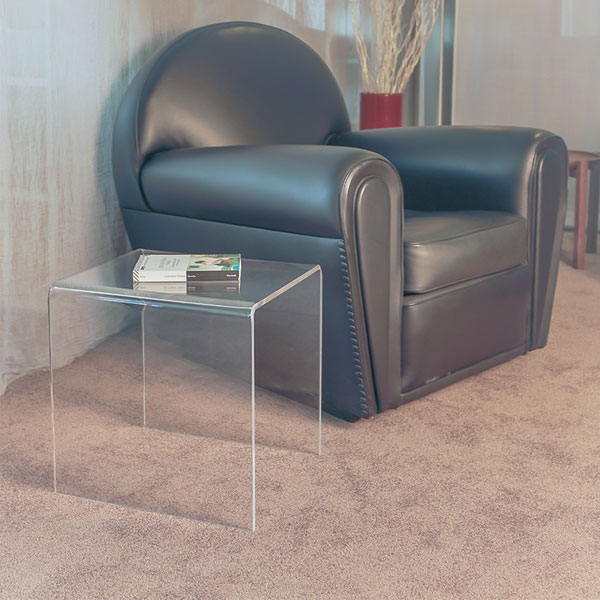 tavolino in plexiglass